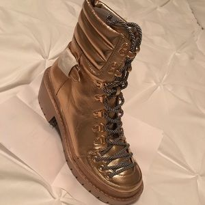 Combat boot rose gold